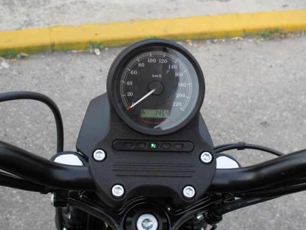 Contingut: HD Sportster speedometer. Source: Momex.cat