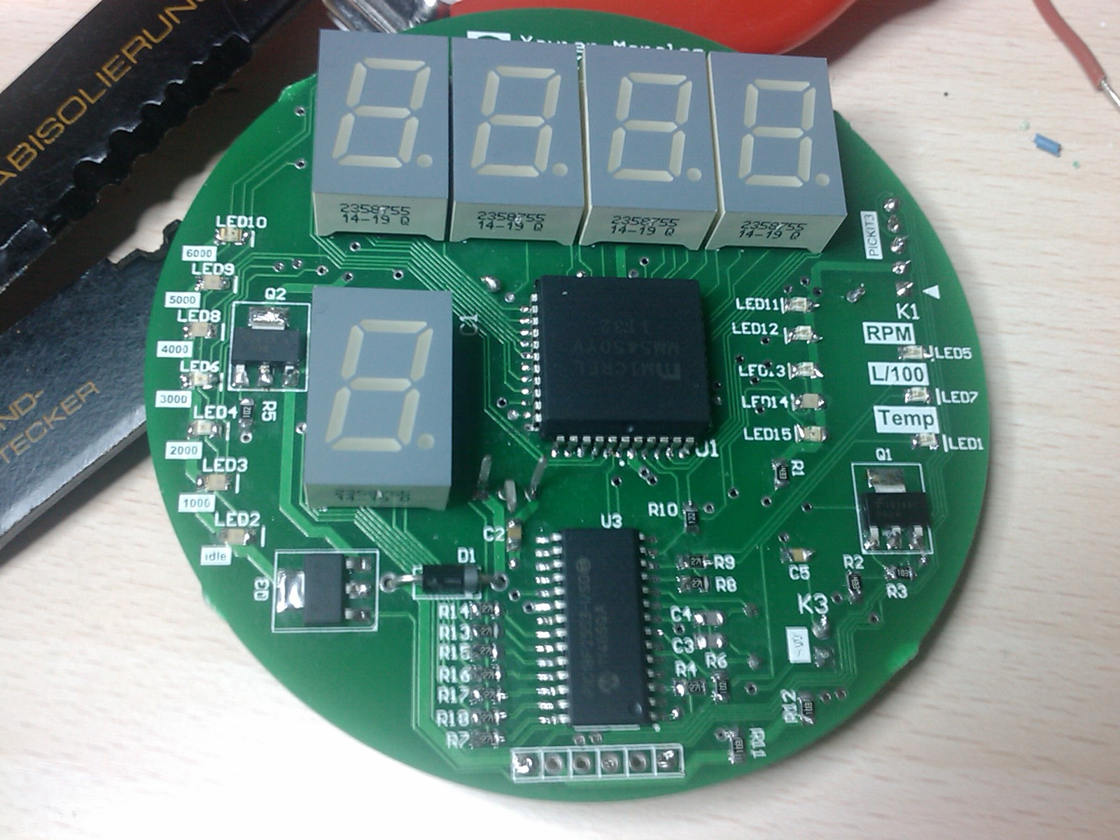 Content: PCB with all components. Source: Momex.cat